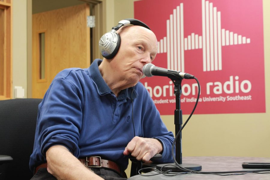 Horizon Radio sits down for an exclusive interview with Story Musgrave before his Sanders Speaking Series keynote speech on Monday, Feb. 26. Photo by Bailey Sanders.