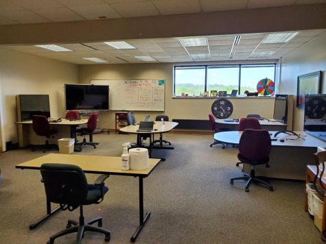 While the IUS writing center sits empty due to the COVID-19 pandemic, the facility has made the adjustment towards online tutoring.